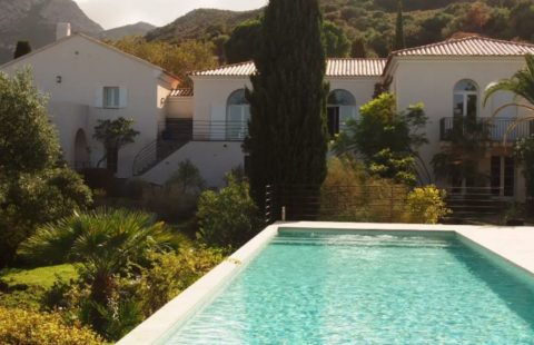 Villa de charme de 273 m² sur 5342 m² avec piscine, vue mer et citadelle
