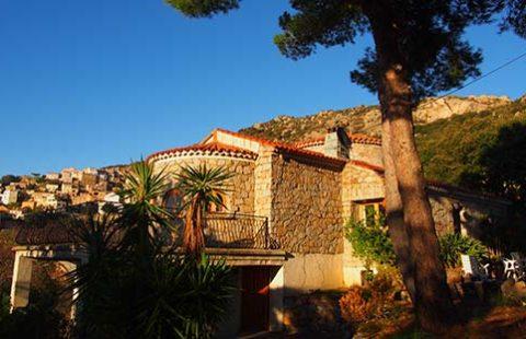 Villa en pierre de 223 m² avec vue mer panoramique et terrain de 3000 m²