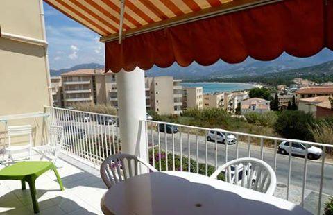T2 de 47 m² avec vue mer et montagnes