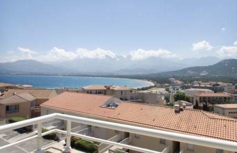 T2 de 30,27 m² avec terrasse et vue mer