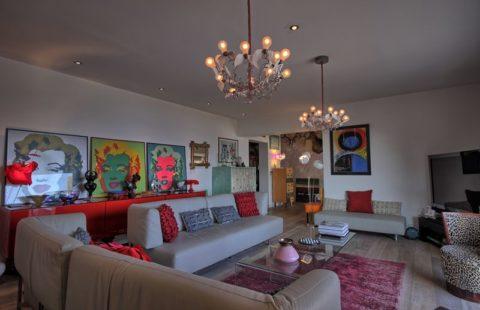 Villa de 300 m² sur et terrain arboré de 3200 m² avec piscine et vue mer époustouflante