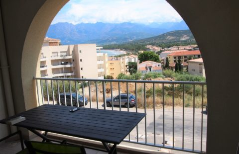 T3 de 67 m² avec loggiavue mer et montagnes