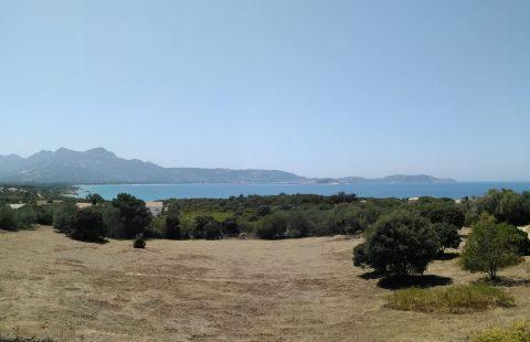Villa sur 1 hectare de terrain à 500 mètres des plages, belle vue mer