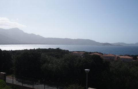 Lumio T2 de 24 m² avec terrasse et vue mer