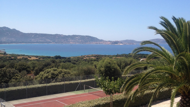 Très bel appartement d'architecte avec terrasse vue sur baie de Calvi