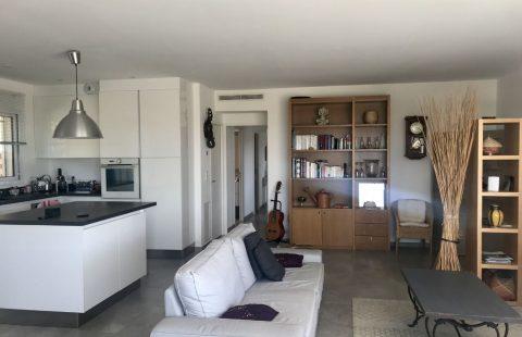 Belgodere : villa de 145 m², 1600 m² terrain avec piscine