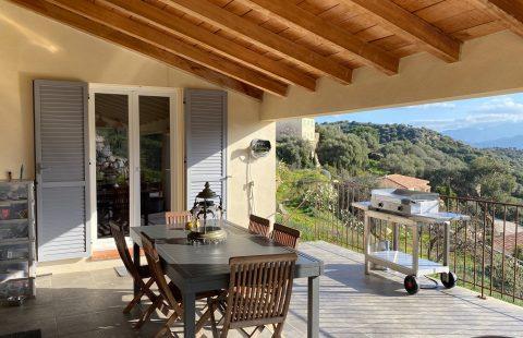 Santa Reparata : villa de 112 m² + dépendance de 32 m² sur terrain de 2507 m²