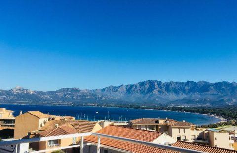 T2 avec terrasse et vue mer panoramique