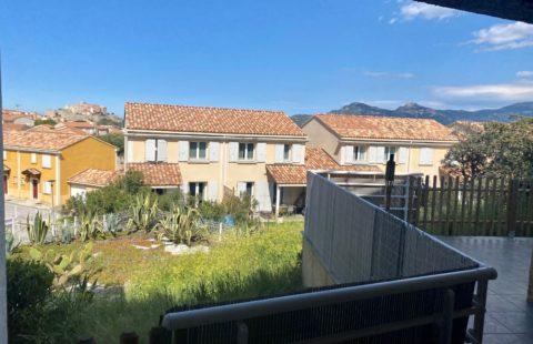 T2 de 48,30 m² avec terrasse de 32 m² et jardin de 38 m²